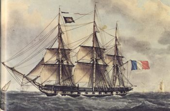 La frégate est un vaisseau de taille moyenne, comportant 3 mâts, environ 26 canons et nécissant environ 220 membres d'équipages.