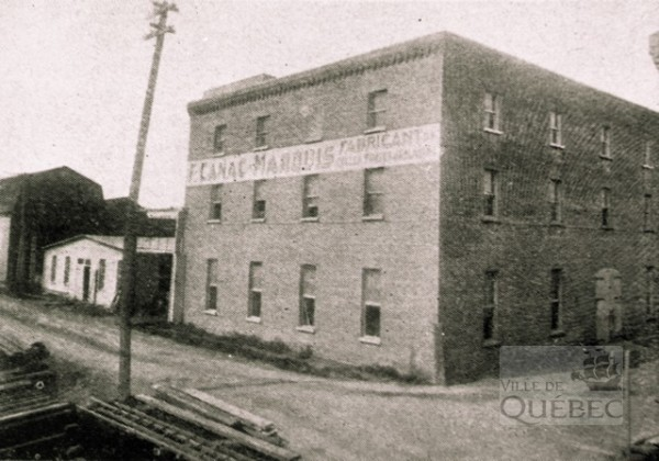 Canac-Marquis Glue Manufacture. Archives Ville de Qc
